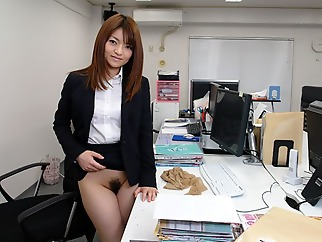 Kimoko Tsuji in Kimoko Tsuji gives an awesome blowjob at the office and gets cumshot - AvidolZ cumshot facial toys